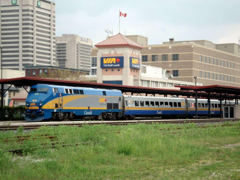 VIA_Rail_Train_London_Ontario