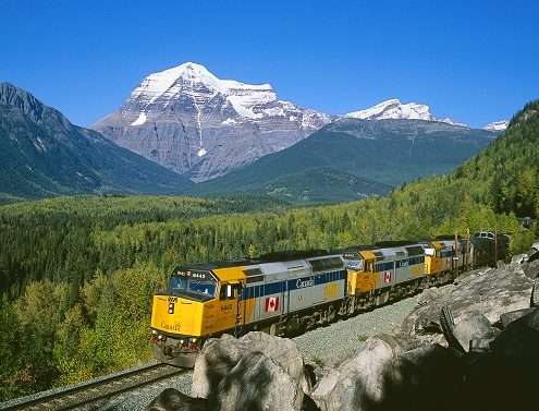 Rochosas_Via_RAIL_1